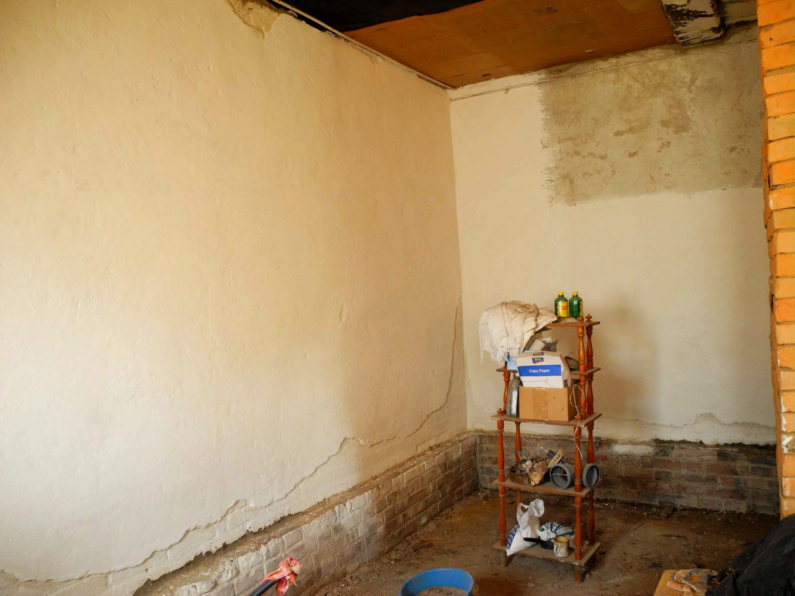 Реставрация стен в старом доме