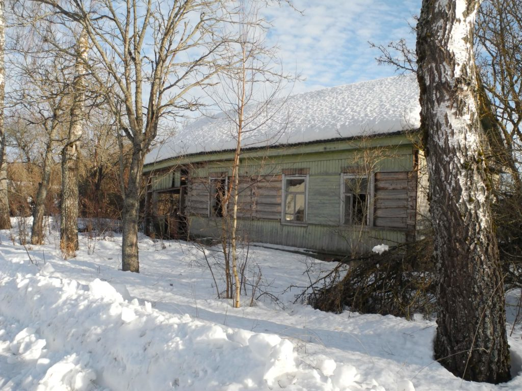 Дом в деревне в дар