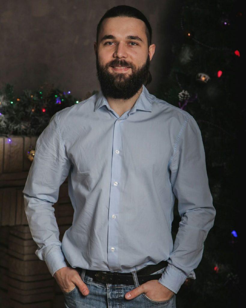 Артём Азаров