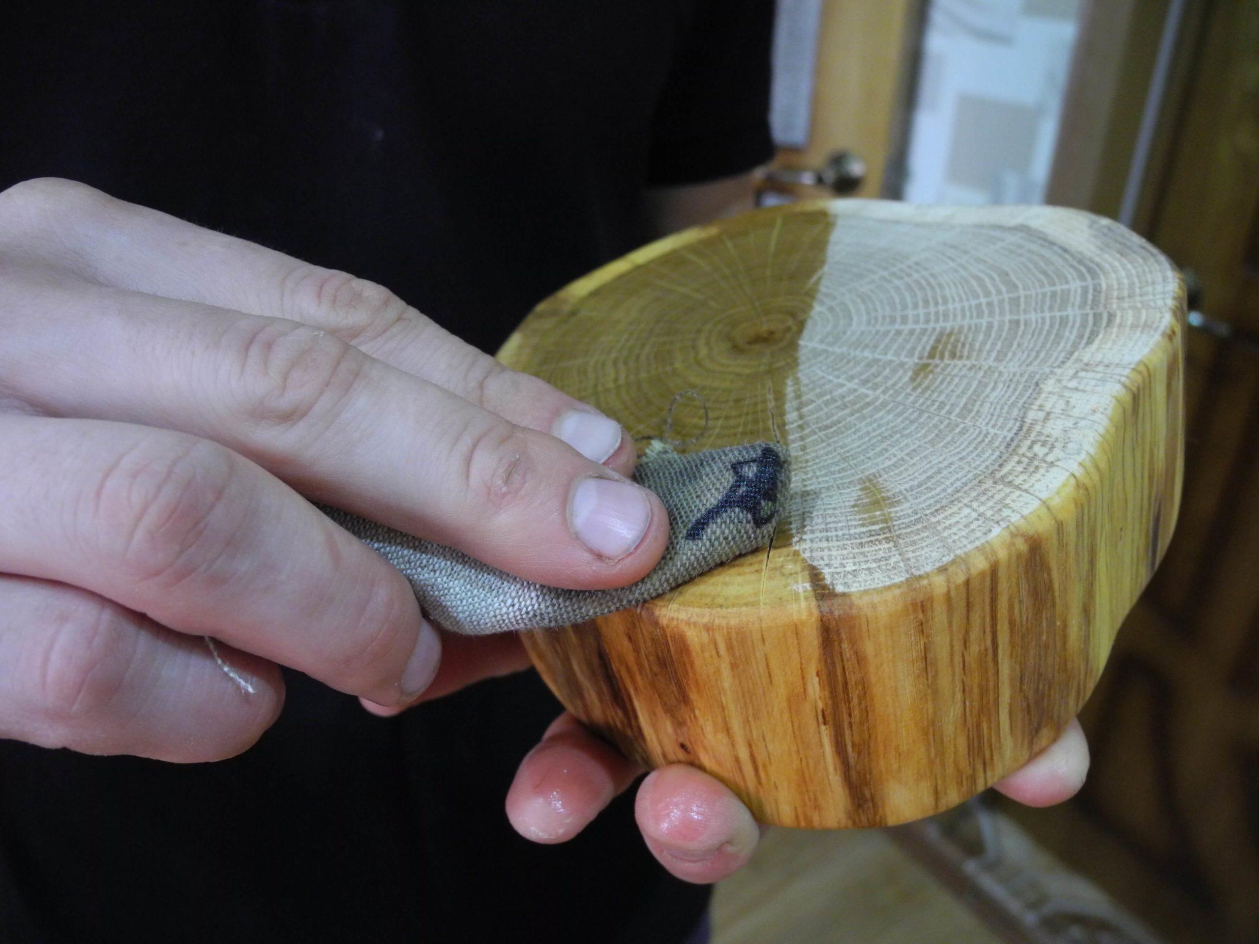Как обработать спил дерева для декора