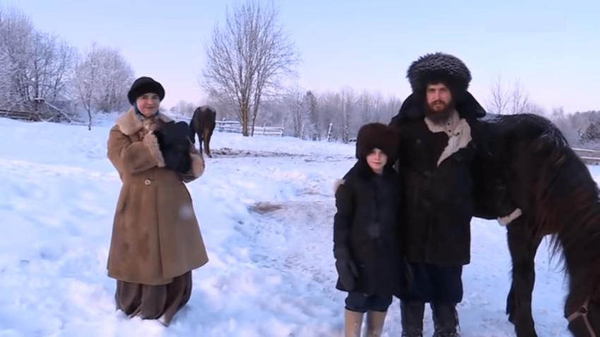 Семья Андреенковых уехала в деревню