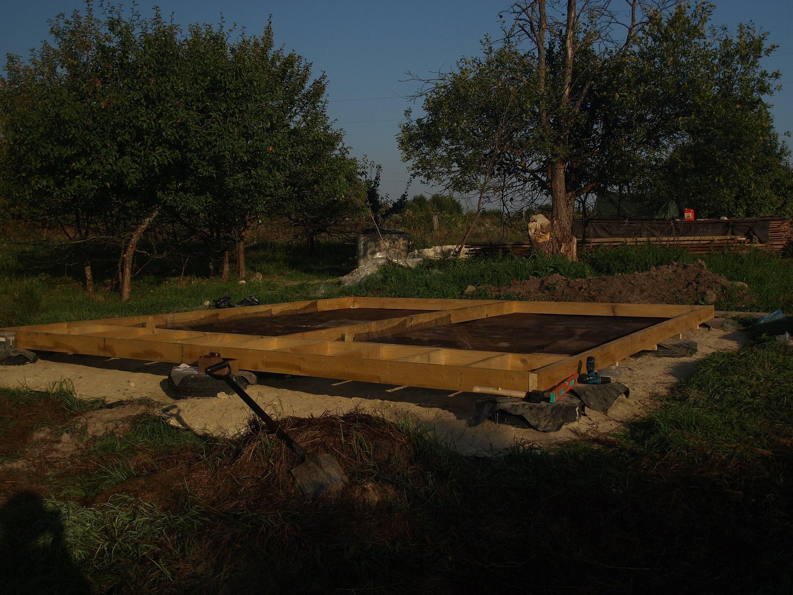 Фундамент из покрышек для А-образного дома