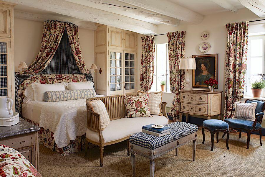 Спальня в деревенском стиле (фото)