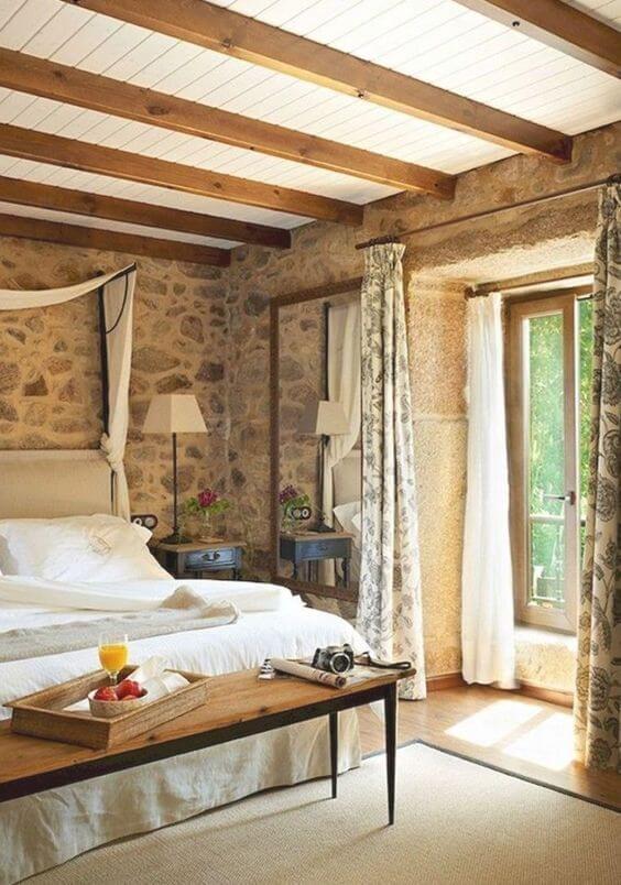 Спальня в деревенском доме (фото)
