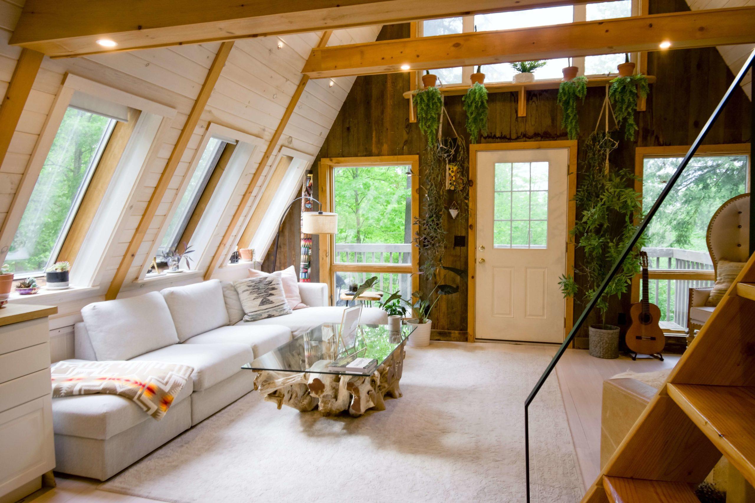 Интерьер деревянного дома (фото внутри)