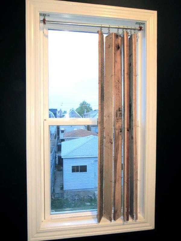 Шторы в деревенском доме на маленькие окна